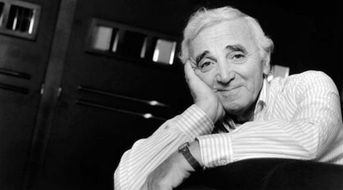 Charles+Aznavour-corps