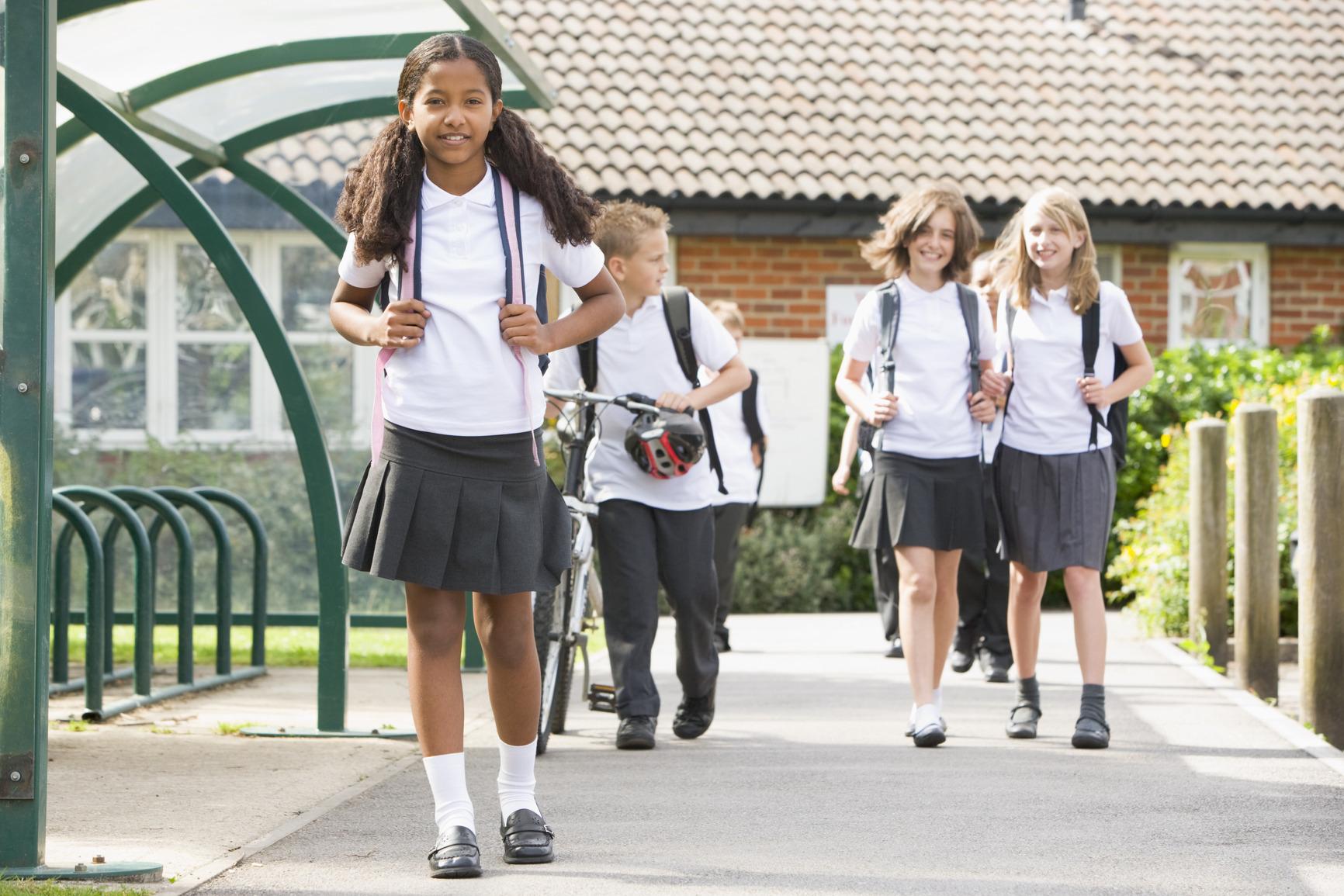 P tition nationale pour le port de l 39 uniforme scolaire for West out of best