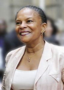 Passation de pouvoirs entre Michel MERCIER, Christiane TAUBIRA et Delphine BATHO. Chancellerie le 17 mai 2012
